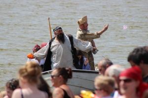 Sheppey Pirates: Landing and giant water-bomb fight